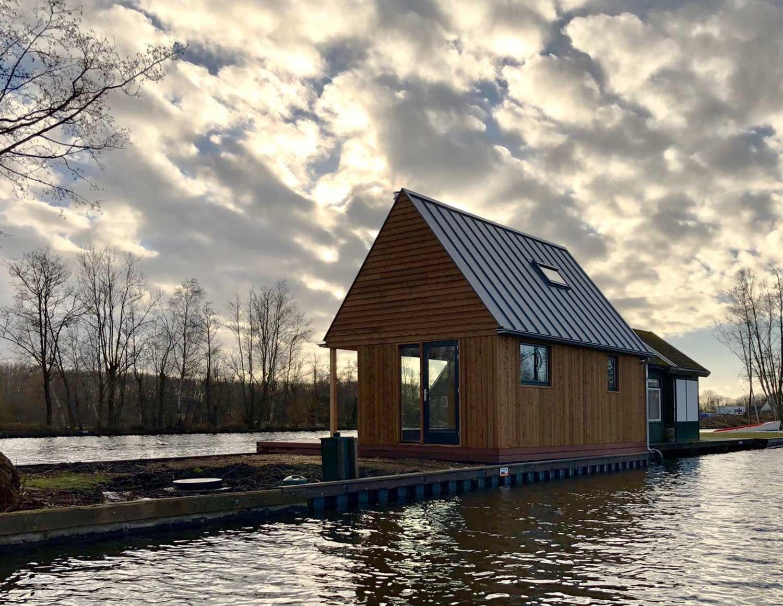 duurzaam hout vakantiewoning zomerhuis bio based zelfvoorzienend