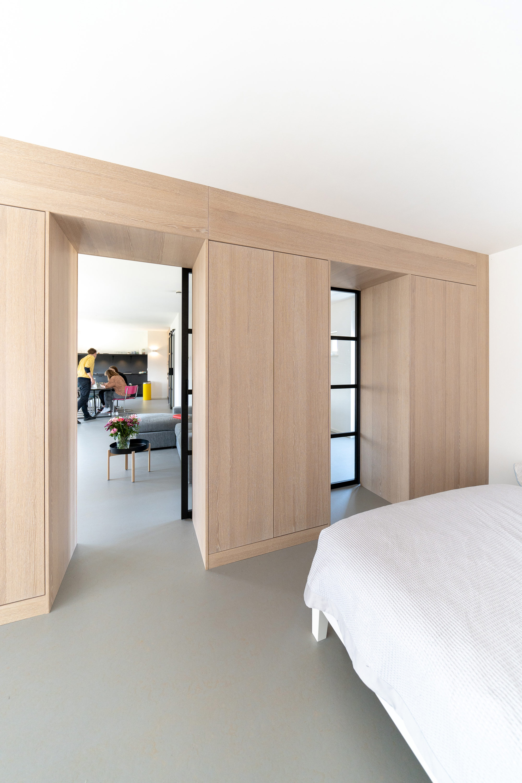 loft_kastenwand_room-divider_interieur_architectuur_wood_schuifdeur